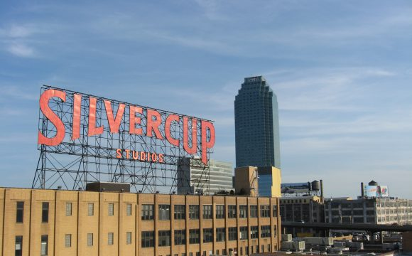 silvercup_studios_and_citicorp_building_from_queensboro_bridge